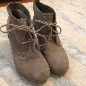 White Mountain Shoes - 5 for $14 - White Mountain Wedge Bootie